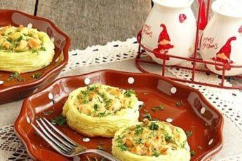 Картофельные «гнёзда» с курицей