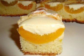 Нежный персиковый пирог под сливочным кремом, просто тает во рту!